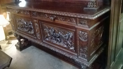 15A12134 HIGHLY CARVED ITALIAN SIDEBOARD (5).jpg