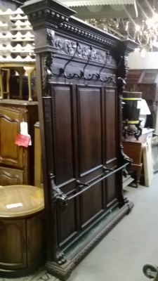 15A12140 LARGE ITALIAN HALL TREE (1).jpg