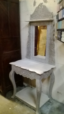 PAINTED CONSOLE WITH MIRROR (1).jpg