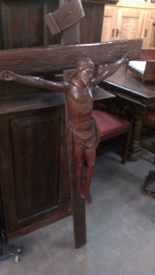 15A23012 BEAUTIFUL LARGE FRENCH CARVED OAK CRUCIFIX  (2).jpg