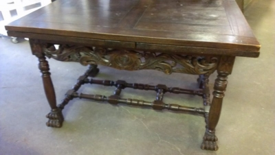 15A23013 FRENCH CARVED DARK OAK COCKTAIL TABLE  (1).jpg