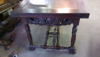 15A23013 FRENCH CARVED DARK OAK COCKTAIL TABLE  (3).jpg