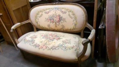 15A23518 LOUIS XVI FLORAL EMBROIDERY SETTEE (1).jpg