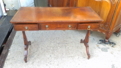 15A23522 MAHOGANY 3 DRAWER LEATHER TOP CONSOLE (1).jpg