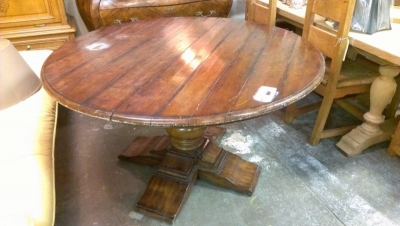 GRP LARGE ROUND DINING TABLE (1).jpg