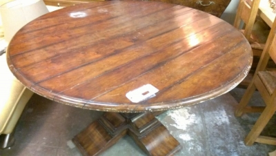 GRP LARGE ROUND DINING TABLE (2).jpg