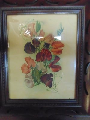 14C24481 NICE WOOD FRAME WITH AS IS FLOWER PRINT