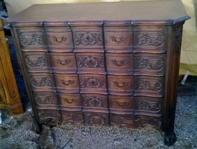 15A23 NICELY CARVED 4 DRAWER FRENCH COMMODE (1).jpg