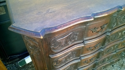 15A23 NICELY CARVED 4 DRAWER FRENCH COMMODE (3).jpg