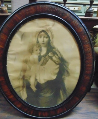 14C24483 LARGE OVAL FRAME WITH AS IS MARY AND JESUS PRINT