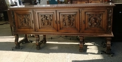 15A23 SPANISH FIGURAL CARVED SIDEBOARD (2).jpg