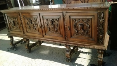 15A23 SPANISH FIGURAL CARVED SIDEBOARD (3).jpg