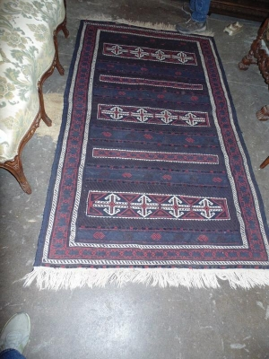 14C24223 BLUE AND RED RUG