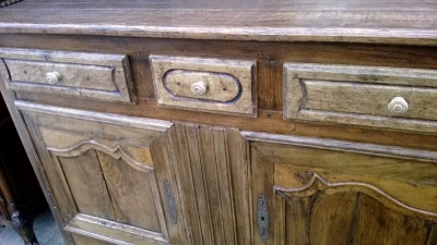 15A23EARLY LOUIS XV OAK VASSILIER WITH 2 DRAWERS  (5).jpg
