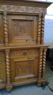 15B06016 HUGE BRUEGLE COURT CUPBOARD  (6).jpg