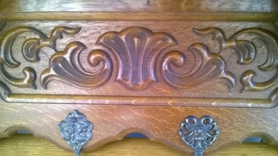 15B06008 OAK COAT SHELF (2).jpg
