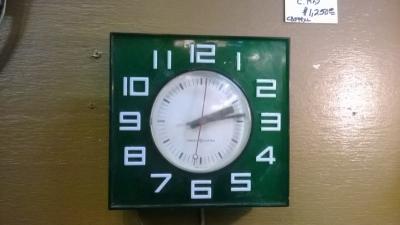 36-84620 MID CENTURY CLOCK.jpg
