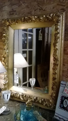 36-85040 EARLY GILT MIRROR.jpg