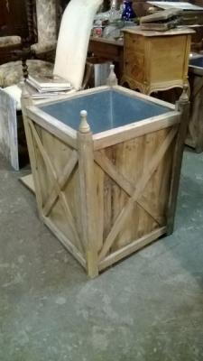 15B TIN LINED WOOD BOX (1).jpg
