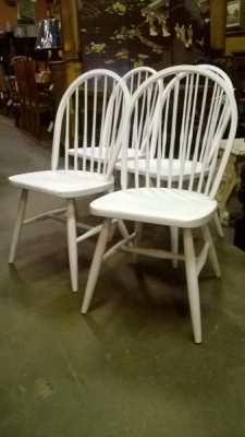 189 SET OF 4 PAINTED WINDSOR  CHAIRS.jpg