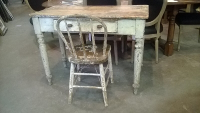 15C02500 PRIMATIVE SHABBY TABLE AND CHAIR (1).jpg