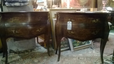 36-85338 PAIR OF ITALIAN COMMODES (1).jpg