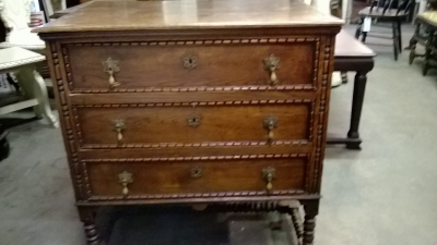 15C03009 ENGLISH 3 DRAWER CHEST (1).jpg