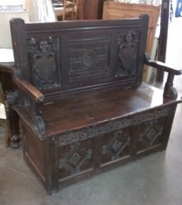 15C03014 EARLY CARVED FRENCH BENCH (2).jpg