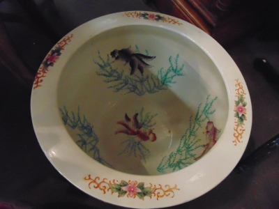 14C24550 AND 24551 CHINESE FISH BOWL (1)