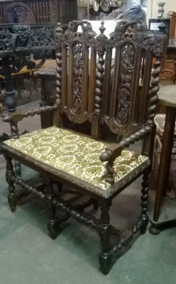 15C03015  FRENCH MINI SETTEE WITH BARLEY TWIST.jpg