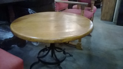15C03026 LOW METAL BASE ROUND OAK TABLE (1).jpg
