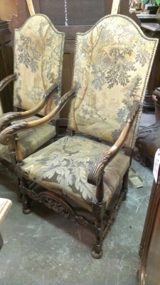 15C03034 PAIR OF THRONE CHAIRS (1).jpg