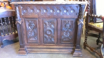 15C03035 EARLY GOTHIC COFFER WITH SPIRES (1).jpg