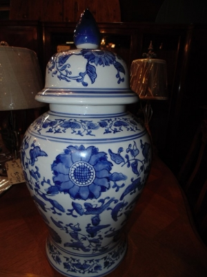 14C24553 BLUE GINGER JAR NOT OLD (1)