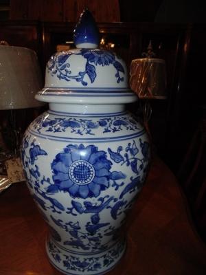 14C24553 BLUE GINGER JAR NOT OLD (1)
