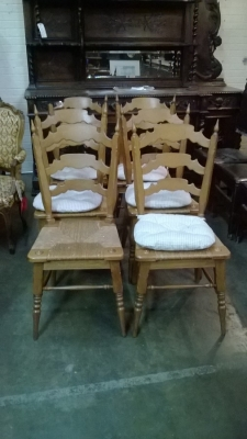 15C03054B SET OF SIX RUSTIC KITCHEN  CHAIRS (1).jpg