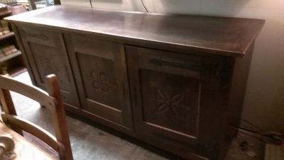 15C03056 CARVED RUSTIC SIDEBOARD WITH STRAP HINGES  (1).jpg