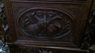 15C03058 CARVED NARROW BOOKCASE (2).jpg