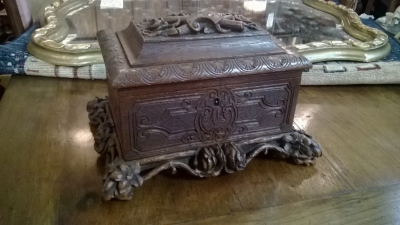 15C04100A ORNATELY CARVED BLACK FOREST BOX (2).jpg
