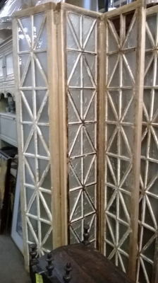 15C09100 SET OF 3 HINGED MULLIONED GLASS PANELS (1).jpg