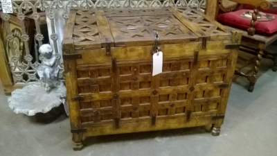 36-85409 WOODEN SAILORS CHEST (1).jpg