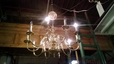 WILLIAMSBURG BRASS CHANDELIER (3).jpg