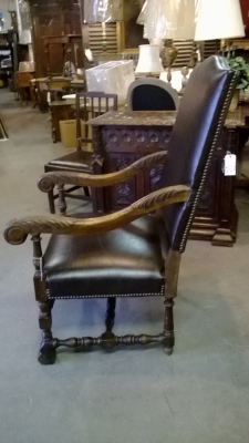 14F06008 LEATHER COVERED PAW FOOT THRONE CHAIR (3).jpg