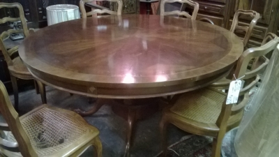 ROUND PEDESTAL BASE TABLE (1).jpg