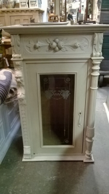 PAIR OF PAINTED ITALIAN WALL CABINETS (1).jpg