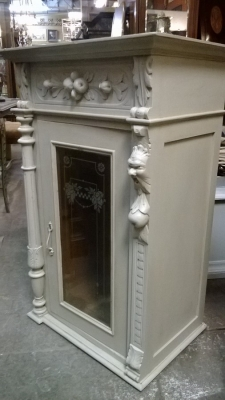 PAIR OF PAINTED ITALIAN WALL CABINETS (2).jpg