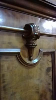 HUGE 4 DOOR ARMOIRE (6).jpg
