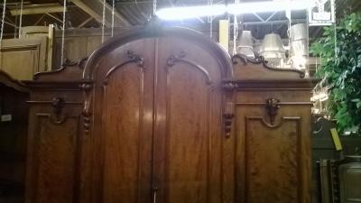 HUGE 4 DOOR ARMOIRE (7).jpg