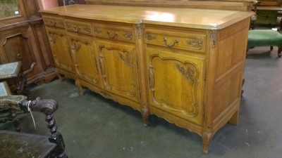 LOUIS XV 4 DOOR OAK SIDEBOARD (2).jpg