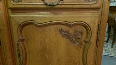 LOUIS XV 4 DOOR OAK SIDEBOARD (3).jpg